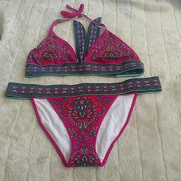 fdb443cf56cf8 Victoria's Secret tribal boho Paisley bikini. M_5adf29a32ae12fa58367e029